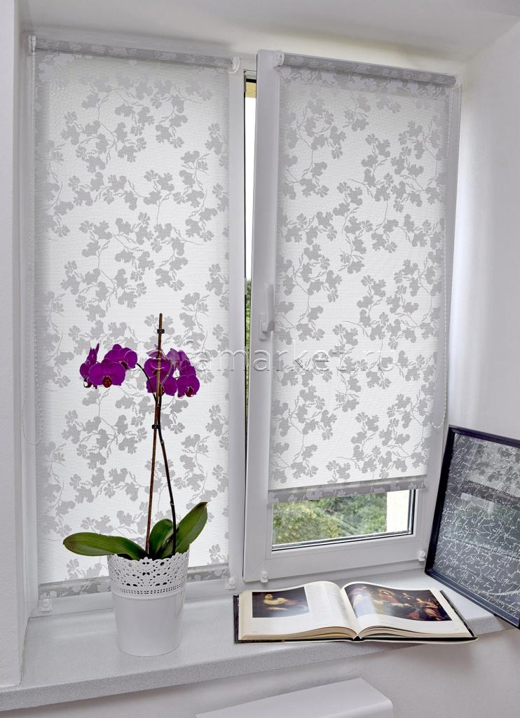 Роликовые шторы для пластиковых окон фото